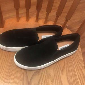 Steve Madden slip on shoes sz 10
